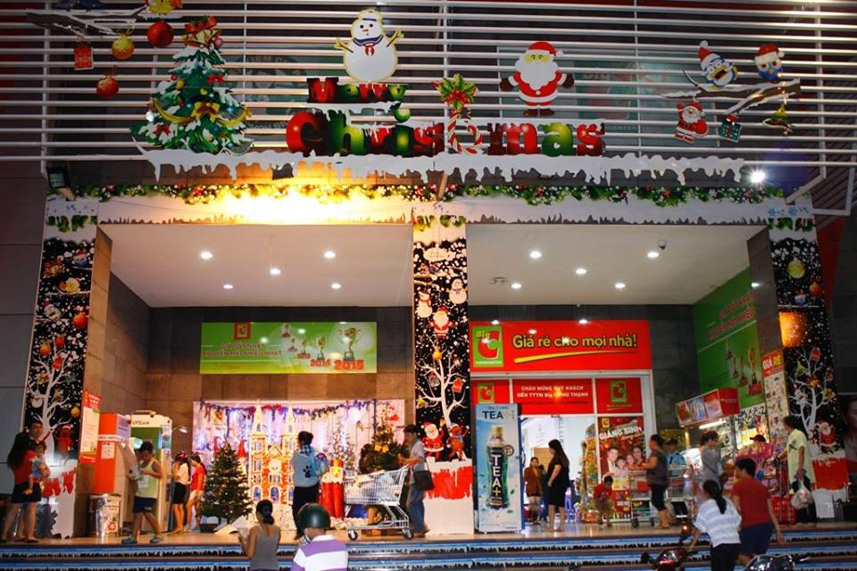 where to buy christmas decorations in saigon